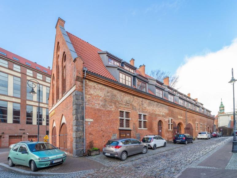 Budynek, w którym znajduje się hostel