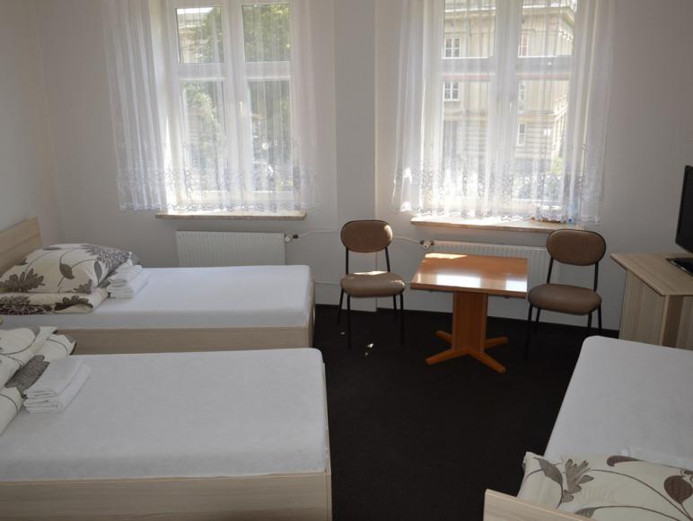 Pokój 3-osobowy w segmencie ze wspólną łazienką