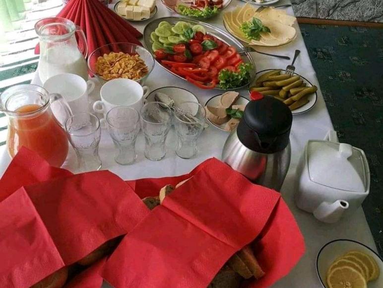 Usługi Noclegowe I Gastronomiczne dla ludności Mie