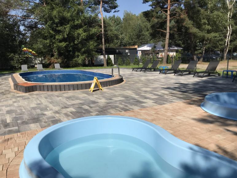 teren ośrodka-baseny