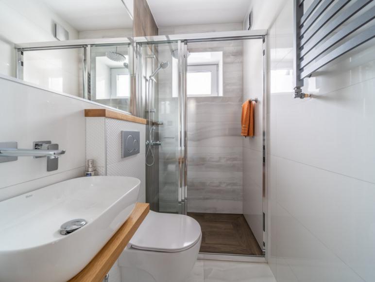 Apartament 2 pokojowy - łazienka