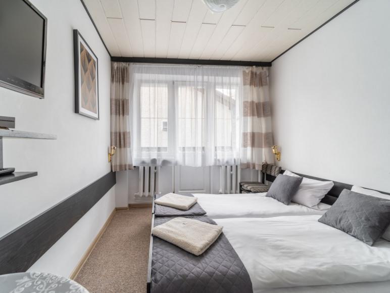 Pokój 2 osobowy ( złączone łóżka )