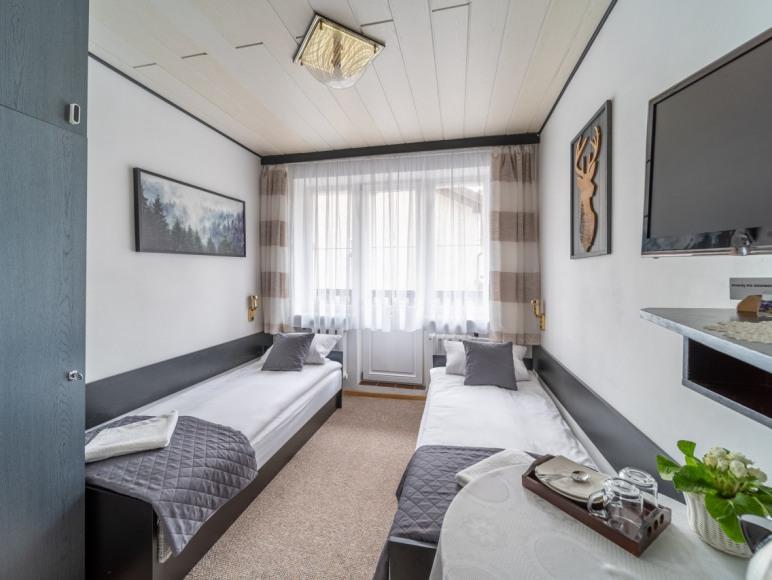 Pokój 2 osobowy ( 2 pojedyncze łóżka )