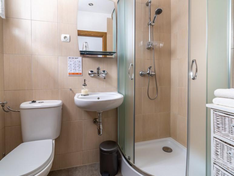 Pokój 3 osobowy - łazienka