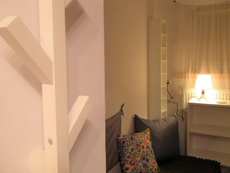 Mieszkanie 8-osMieszkanie 8-osobowe: kuchnia (w pełni obowe:pokój 1-osobowy