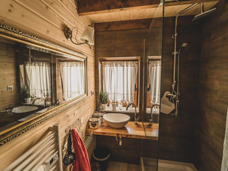 domek lux łazienka