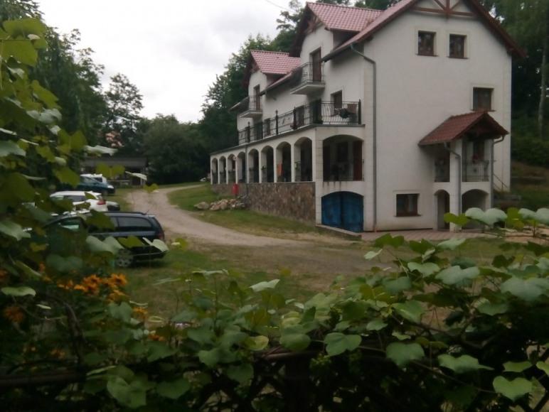 Budynek z pokojami