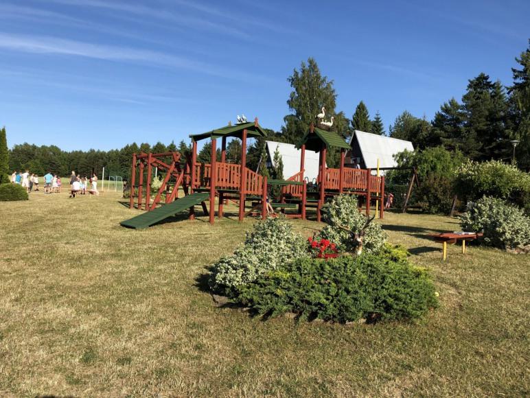 plac zabaw i boiska - ośrodek Pod lasem
