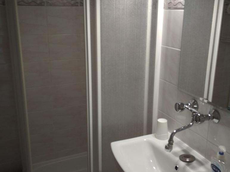 pokój nr 3 (z łazienką)