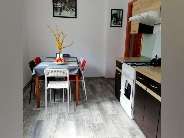 Mieszkanie 8-osobowe: kuchnia (w pełni wyposażona)