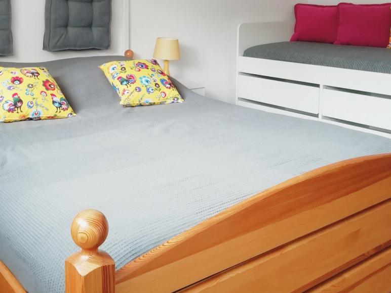 Mieszkanie 8-osobowe:pokój 3-osobowy