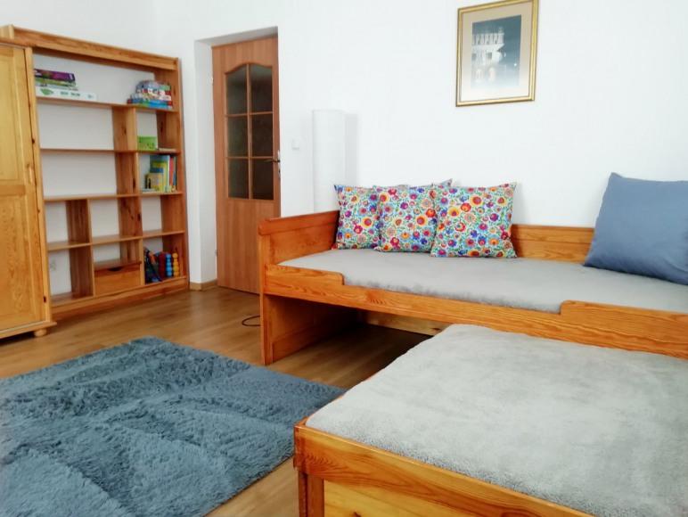 Mieszkanie 8-osobowe:pokój 4-osobowy