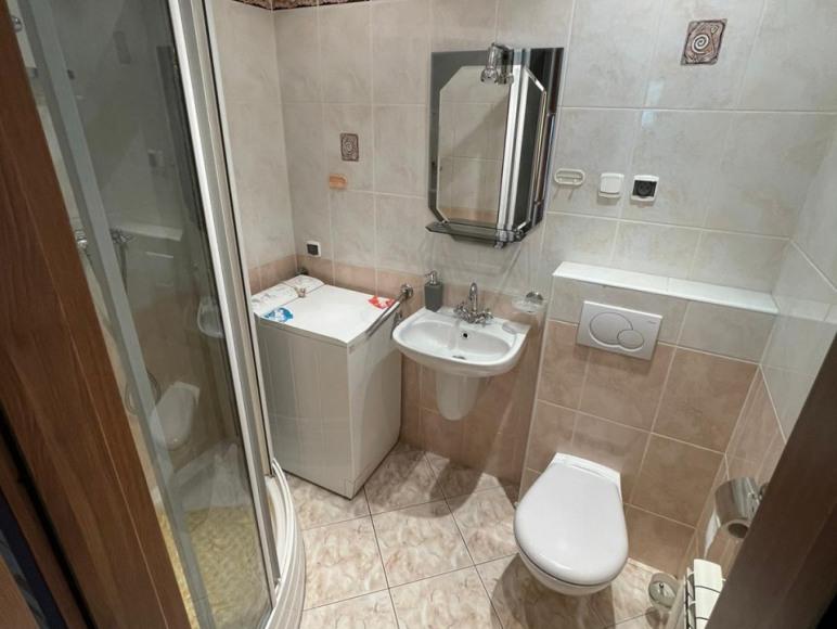 Apart. 5 osobowy łazienka