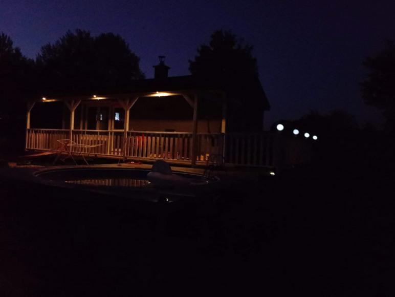 Domek nad stawkiem z basenem