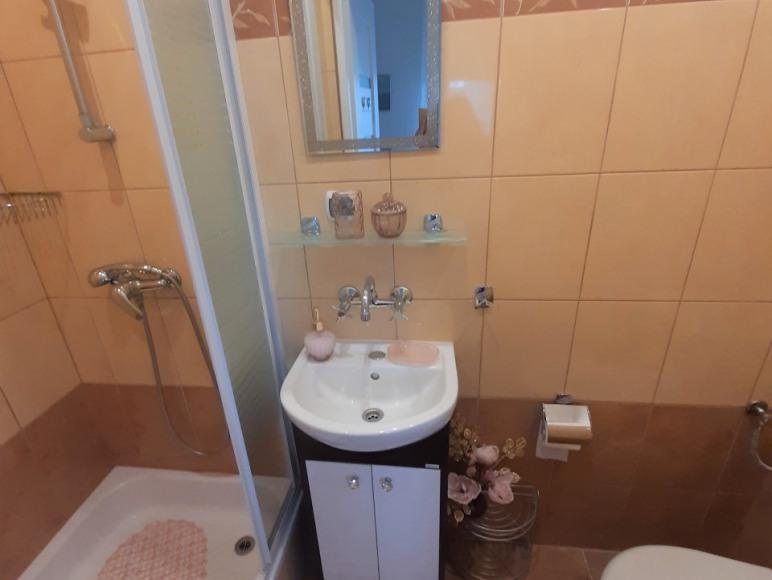 łazienka w pokojach balkonowych