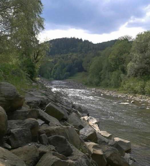 Rzeka soła 30metrów od obiektu