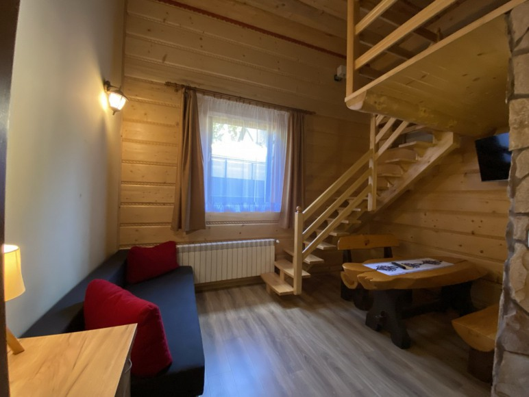 Pokój nr 15 - dwupoziomowy - salon