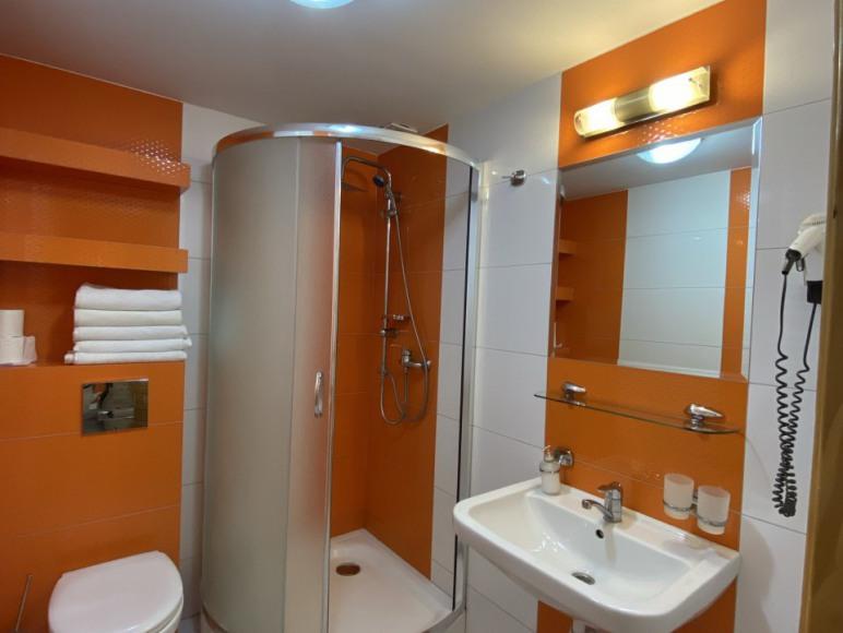 Pokój nr 15 - łazienka