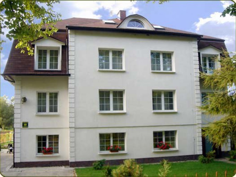 Adamow Villa
