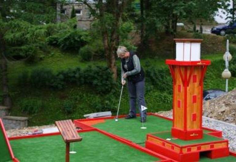 mini golf tuż obok