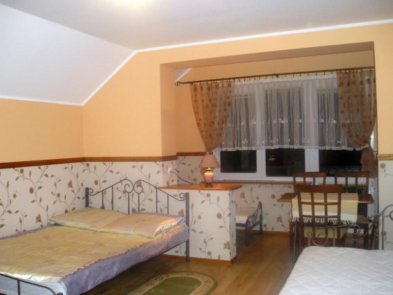 pokój 4 os z balkonem ,lodówka ,łazienką
