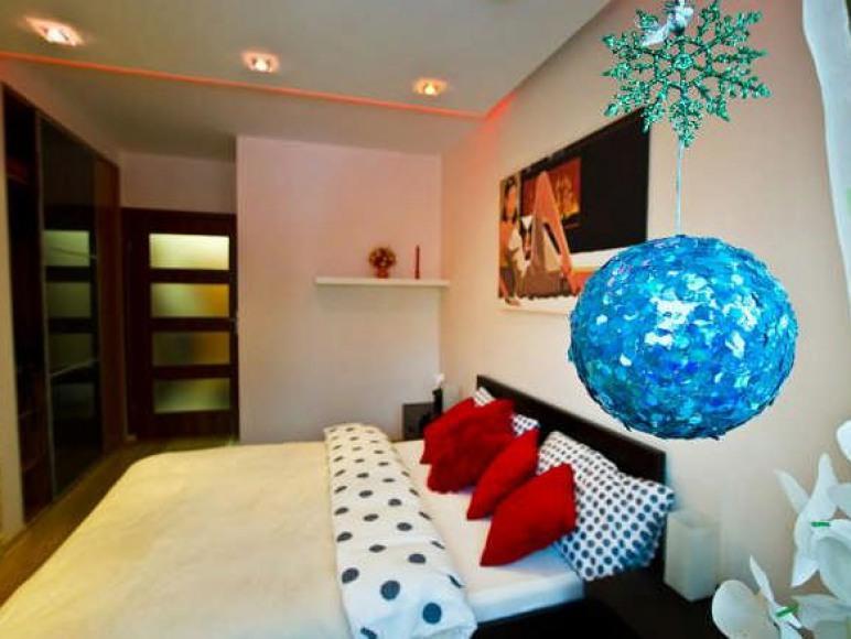 wygodna sypialnia z TV