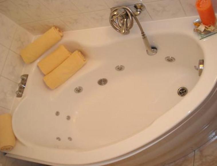 łazienka z wanną