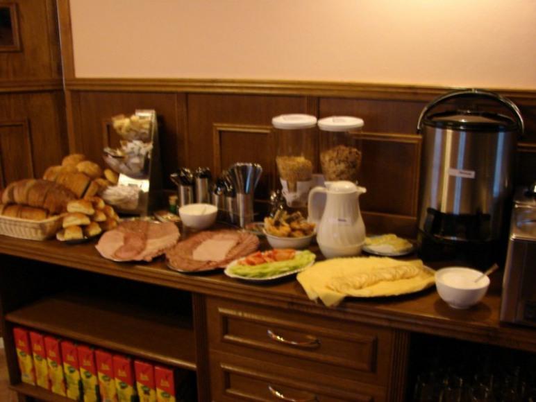 śniadanie w estauracji