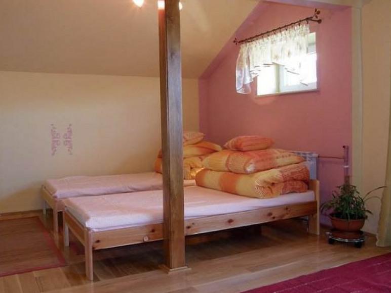 Pokój 8-osobowy z balkonem
