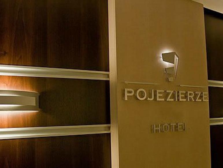 """Hotel """"Pojezierze"""" w Szczecinku"""
