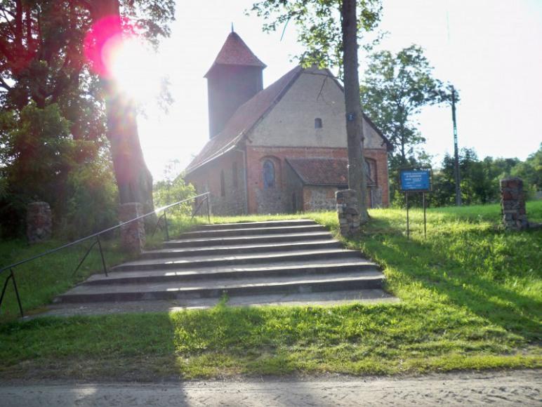 Gotycki kościół z XIV wieku.