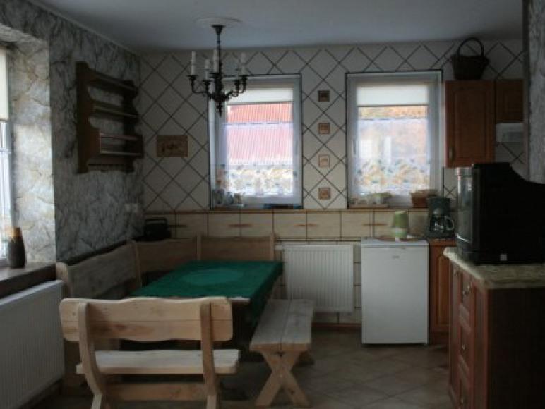 apartament kominkowy-jadalnia