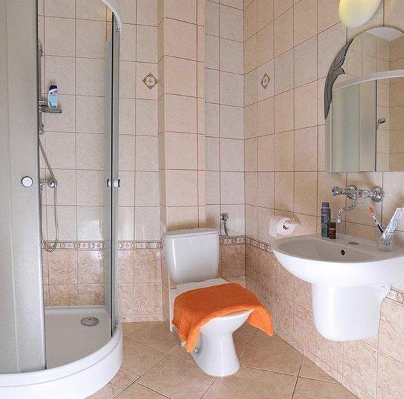 Łazienka w pokoju 2-osobowym