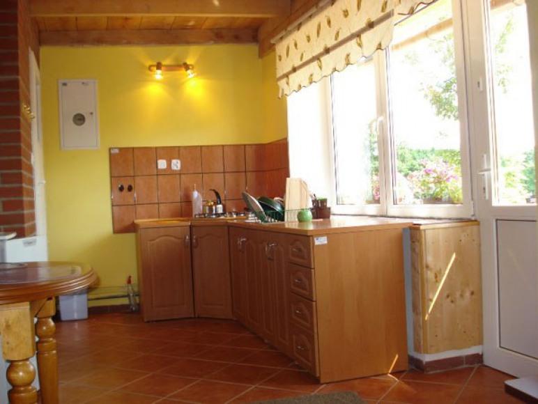 Aneks kuchenny w domku murowanym.
