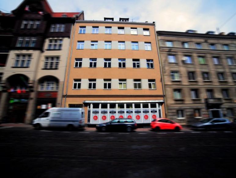 ART Hostel Poznań - Budynek z zewnątrz