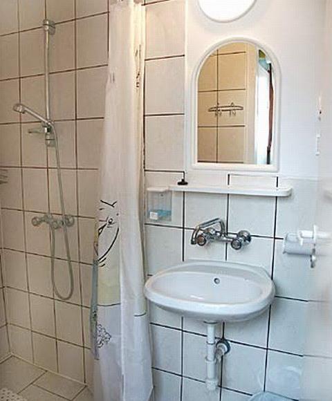Druga łazienka dla pokoi.