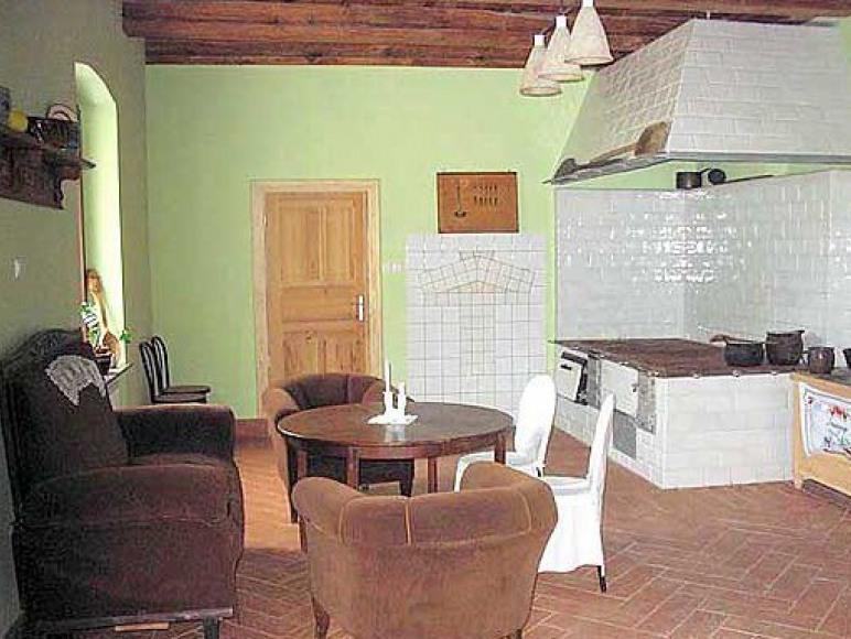 Pojezierze Drawskie-Dworek Tradycja Grażyna I Tadeusz Szuba