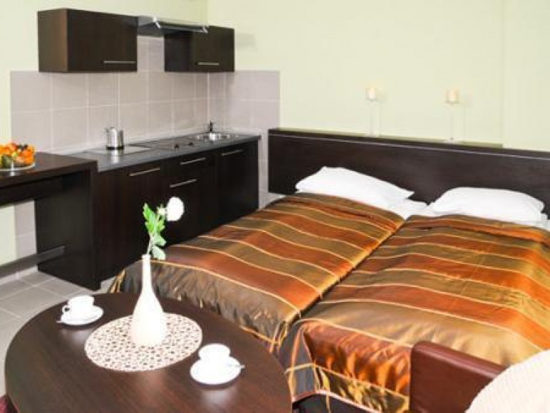 """Hotel """"Klub Plaza"""""""