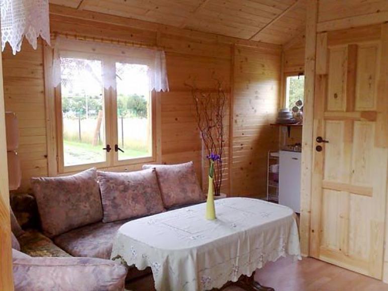 Salon w domku drewnianym