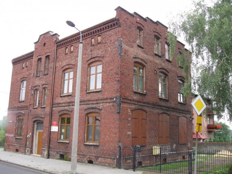 Budynek - widok od ul.I Armii Wojska Polskiego.