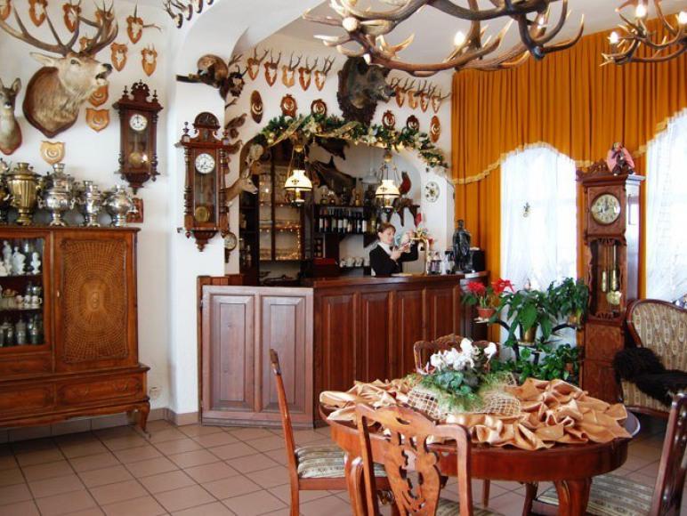 Leśny Gród sala restauracyjna