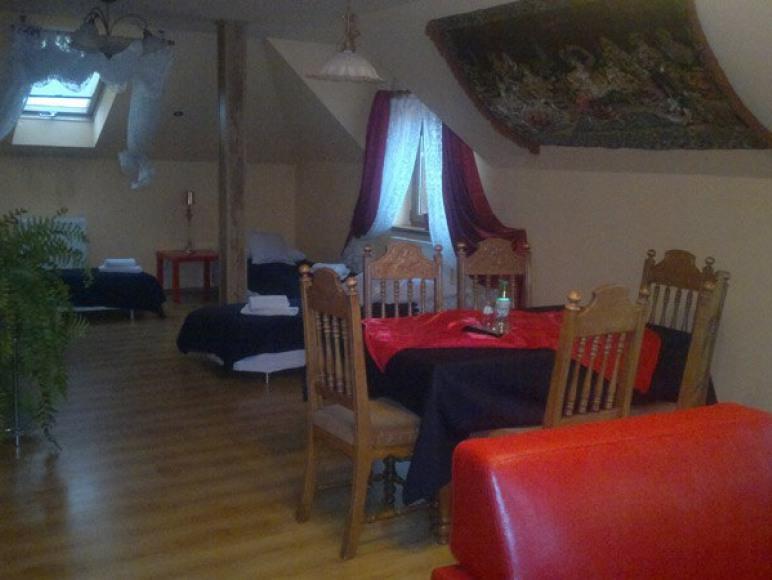 Restauracja, Noclegi Pod Lwem