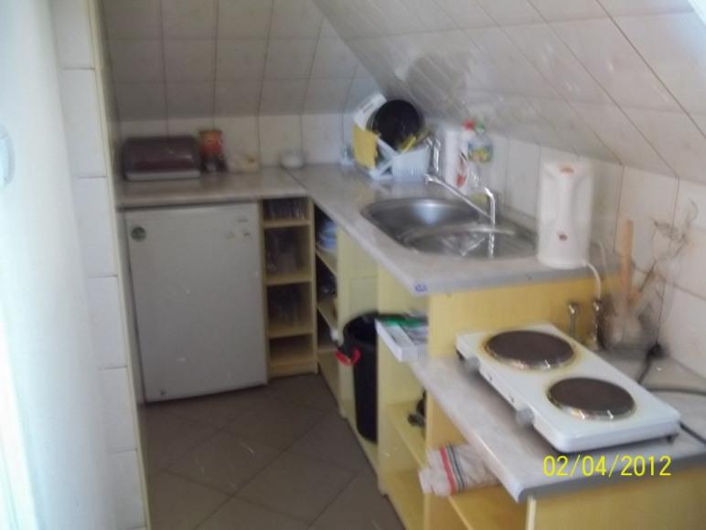 pokój typu studio-kuchnia