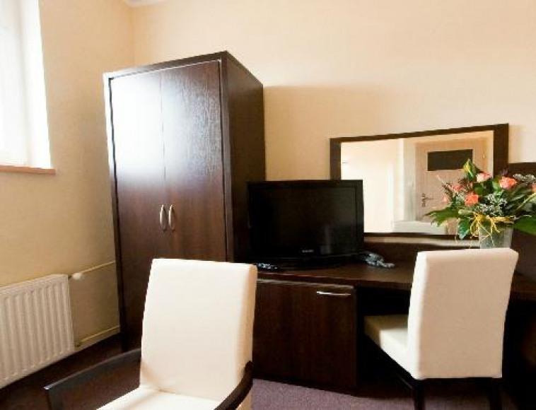 Hotel 104
