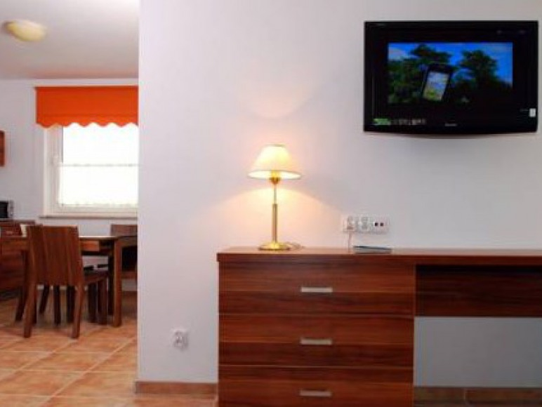 Apartament z sypialnią i salonem