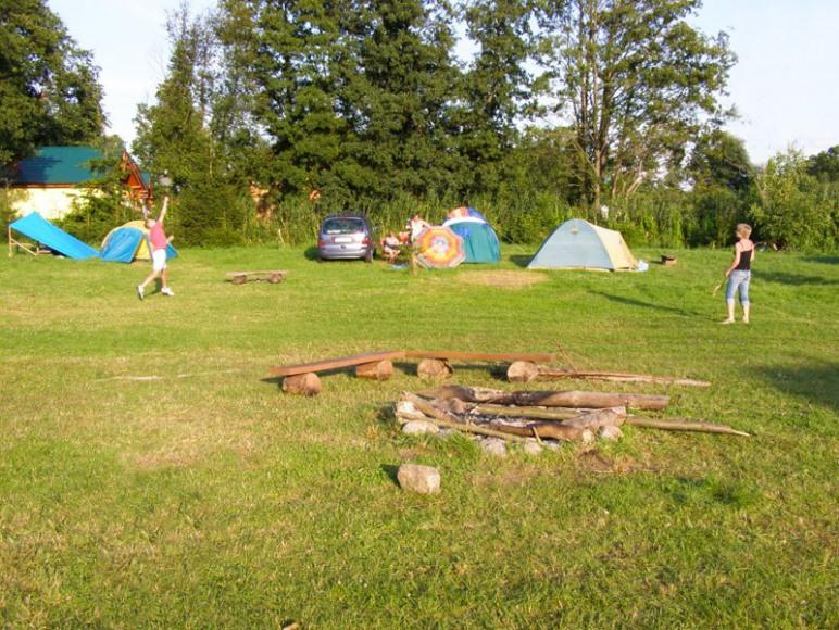 Pole namiotowe Luka