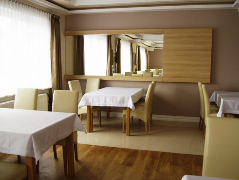 Sala restauracyjna- Jastrzębia Góra