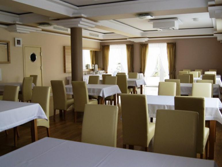 Sala restauracyjna - Jastrzębia Góra