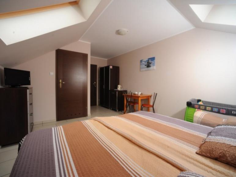 Pokój 2 osobowy z łóżeczkiem