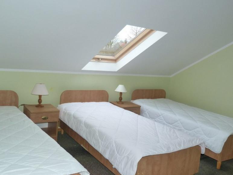 Studio sypialnia n pietrze